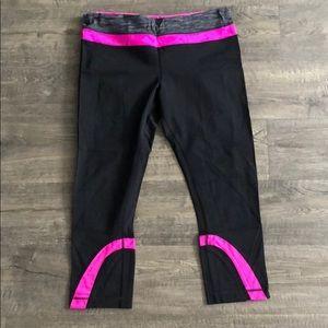 Lulu lemon black and hot pink runner unders